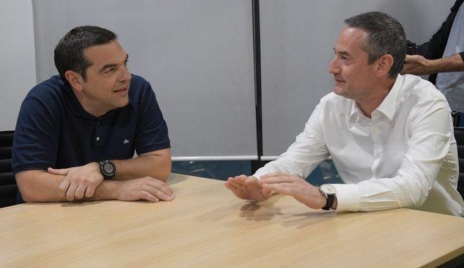 Ο πρωθυπουργός και Πρόεδρος του ΣΥΡΙΖΑ Αλέξης Τσίπρας και ο ιδιοκτήτης και πρόεδρος της 24MEDIA Δημήτρης Μάρης.