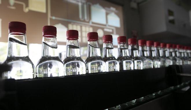 Μπουκάλια με αντισηπτικο υγρό.