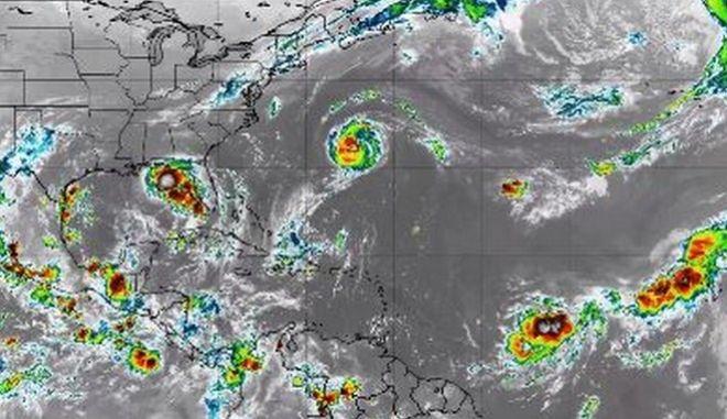 Πέντε κυκλώνες έχουν σκεπάσει τον Ατλαντικό - Ιστορικό φαινόμενο που τρομάζει