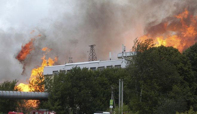 Μεγάλη φωτιά σε προάστιο της Μόσχας