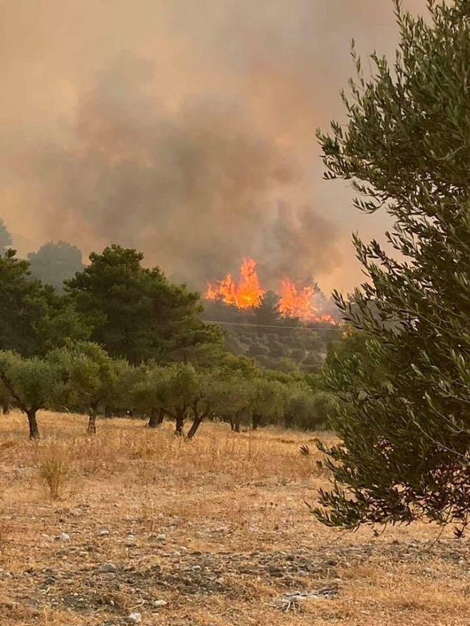 Μεγάλη πυρκαγιά στη Ρόδο