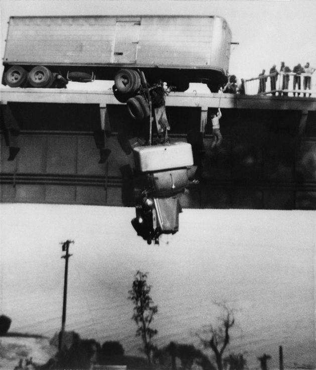 Η φωτογραφία truck accident