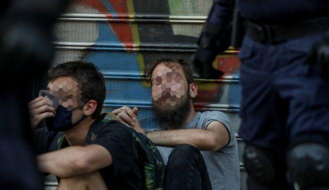 Οι συλλήψεις των δύο καλλιτεχνών την Τετάρτη 15 Ιουλίου