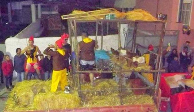 Εξάμηνη φυλάκιση με αναστολή για τις κότες στο καρναβάλι του Τυρνάβου