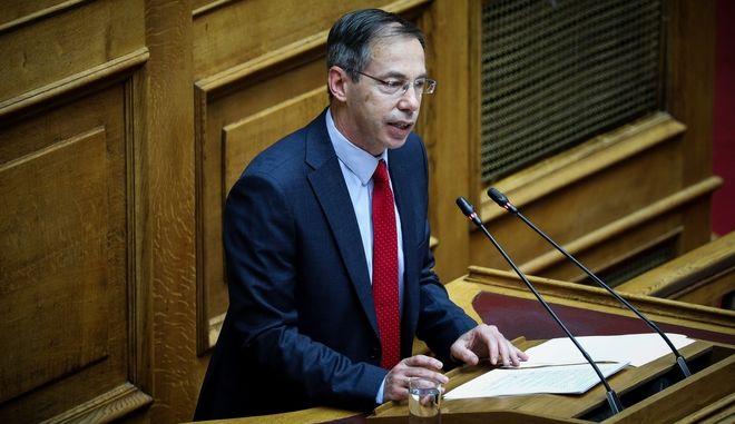 Ο Γιώργος Μαυρωτάς στη Βουλή