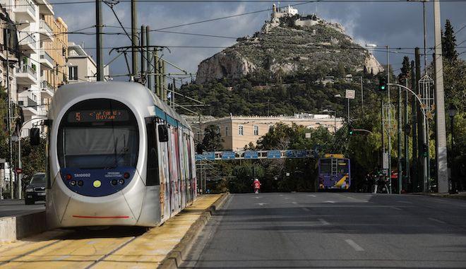 Η επιστροφή του τραμ στο Σύνταγμα μετά από 2 χρόνια