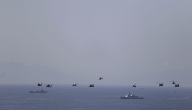 Στιγμιότυπο από στρατιωτική άσκηση της Τουρκίας