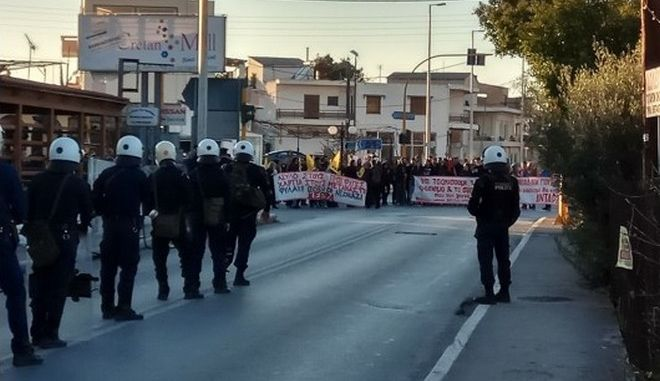 Χανιά: Ένταση και προσαγωγές σε αντιφασιστική συγκέντρωση