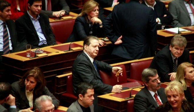 Καταψήφισε το νομοσχέδιο ο Βύρων Πολύδωρας και διεγράφη από τη ΝΔ