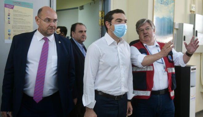 """Τσίπρας: """"Πολύ λίγο και πολύ υποκριτικό το ευχαριστώ στους νοσηλευτές"""""""