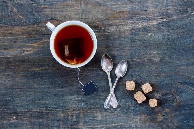 5 Tips για να καμουφλάρεις τη μυρωδιά της σκορδαλιάς: Τσάι