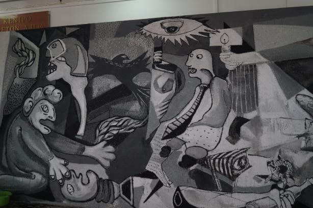 Αστυνομία στα Πανεπιστήμια: Οι φοιτητές του ΑΠΘ απαντούν με τη δική τους Guernica