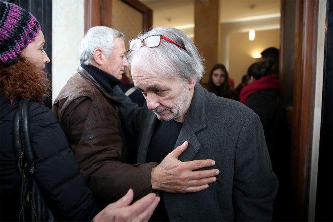 Ο Ανδρέας Μικρούτσικος στην κηδεία του αδερφού του