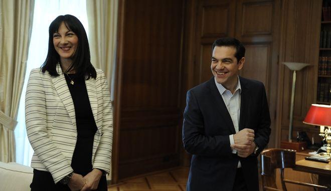 Ο Αλέξης Τσίπρας και η Έλενα Κουντουρά στο Μέγαρο Μαξίμου