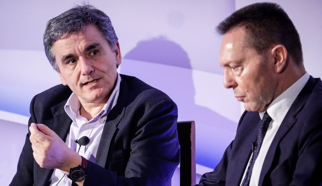 Ο ΥΠΟΙΚ Ευκλείδης Τσακαλώτος με τον Διοικητή της Τράπεζας της Ελλάδος, Γιάννη Στουρνάρα