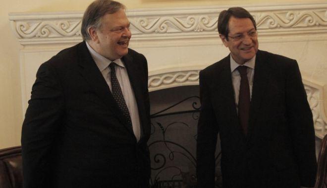 """Ευ. Βενιζέλος-Ν. Αναστασιάδης: """"Πλήρης συντονισμός Ελλάδας-Κύπρου"""""""