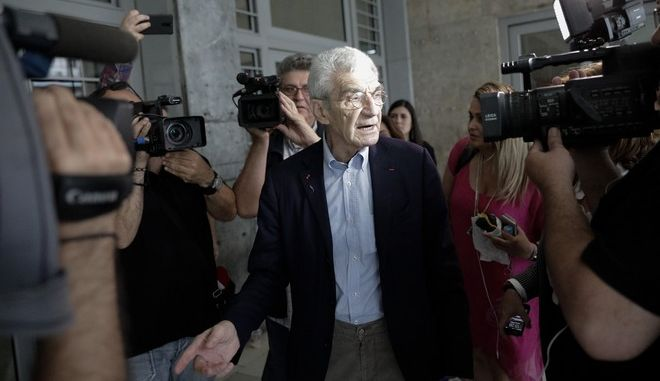 Ο Δήμαρχος Θεσσαλονίκης προσερχόμενος στο δικαστικό Μέγαρο Θεσσαλονίκης