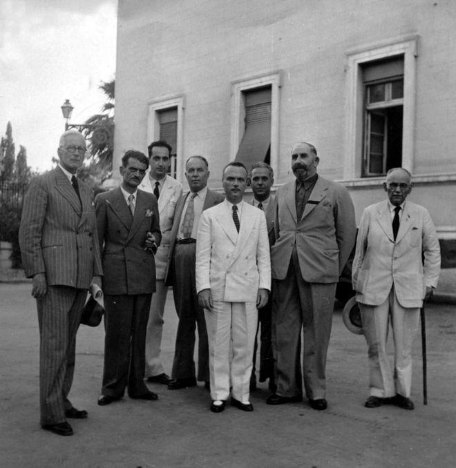 Ο Κ. Μητσοτάκης με τον Σοφοκλή Βενιζέλο και με Κρήτες βουλευτές του Κόμματος Βενιζελικών Φιλελευθέρων, 1946