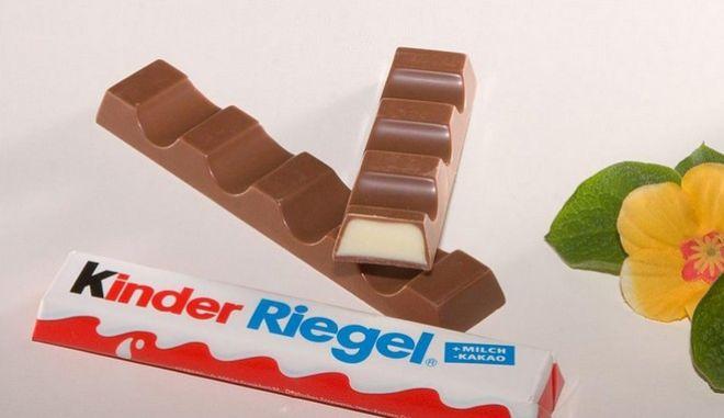Foodwatch: Δυνητικά καρκινογόνες ουσίες στις μπάρες σοκολάτας Kinder