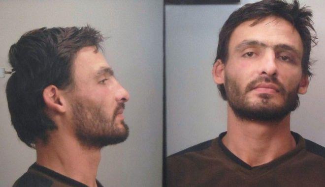 Αυτός είναι ο 34χρονος που συνελήφθη στην Καλλιθέα για αποπλάνηση ανηλίκου