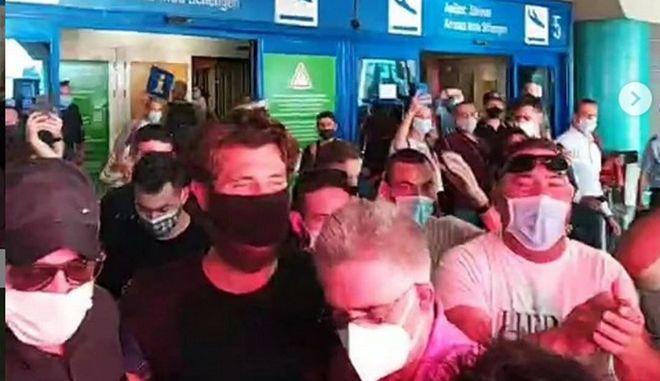Ο Νίκος Μπάρτζης κατά την επιστροφή του στην Ελλάδα