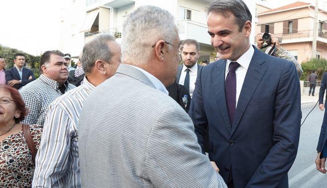 Ο Πρόεδρος της Νέας Δημοκρατίας, Κυριάκος Μητσοτάκης, κατά τη διάρκεια περιοδείας του.