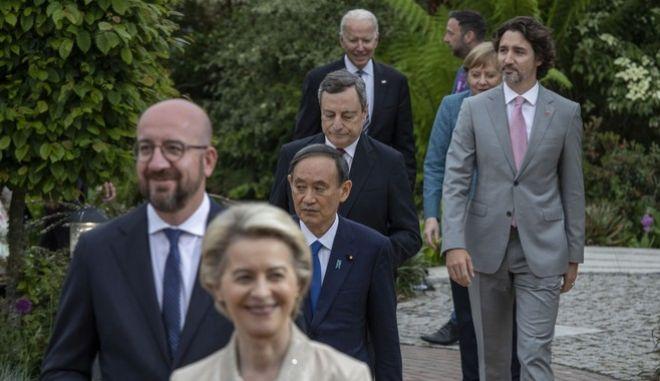 Στιγμιότυπο από τη σύνοδο κορυφής της ομάδας των επτά βιομηχανικά πιο ανεπτυγμένων οικονομιών του κόσμου.