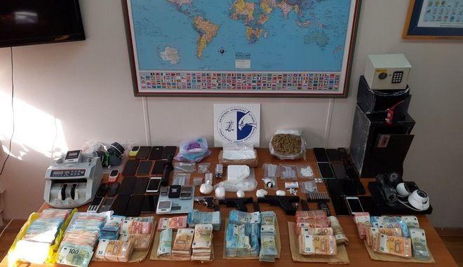 Εξαρθρώθηκε μεγάλο δίκτυο διακίνησης κοκαΐνης, κάνναβης και ECSTASY
