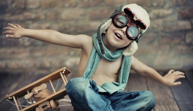 Oι άνθρωποι μπορούμε να ανακτήσουμε επεισοδιακές αναμνήσεις -καταστάσεων ή γεγονότων- από την ηλικία των 2.5 χρόνων.