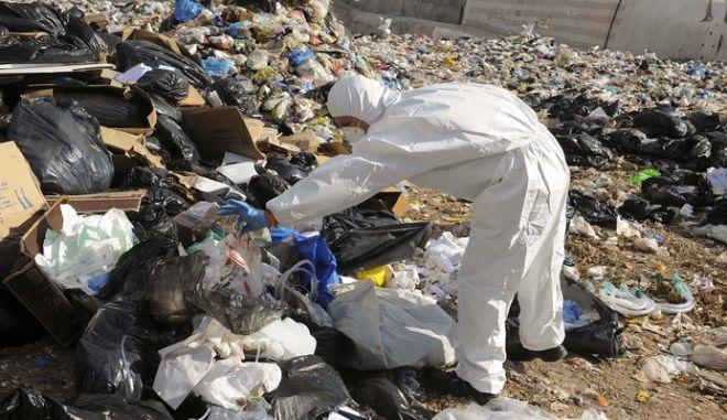 Υπάλληλος του δήμου Αθηναίων μετέφερε ιατρικά απόβλητα στον ΧΥΤΑ Φυλής