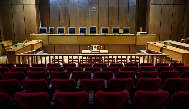 Στιγμιότυπο από την αίθουσα του Εφετείου Κακουργημάτων Αθηνών όπου διεξάγεται η δίκη της Χρυσής Αυγής