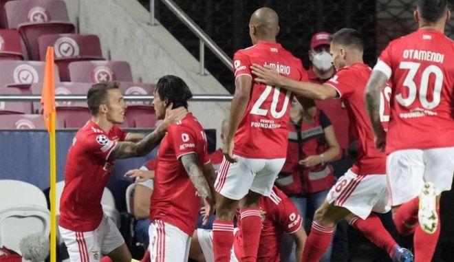Μπενφίκα - Μπαρτσελόνα 3-0: Ο Βλαχοδήμος στέλνει τον Κούμαν στην πόρτα εξόδου