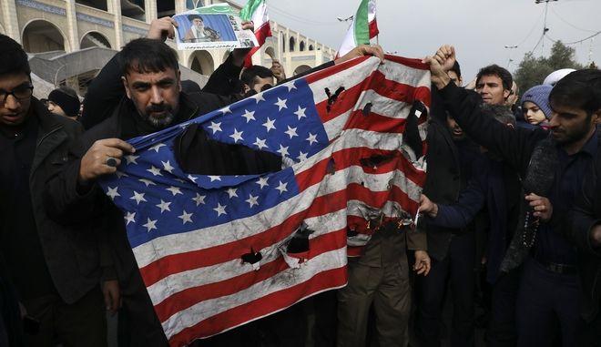 Διαδηλώσεις στο Ιράν κατά των ΗΠΑ
