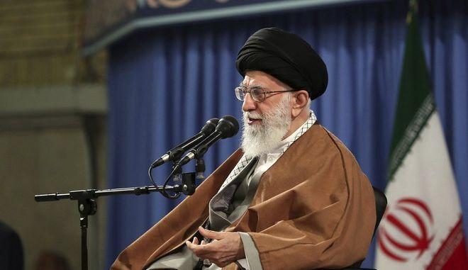 O αγιατολάχ Αλί Χαμενεΐ σε ομιλία του στη Τεχεράνη