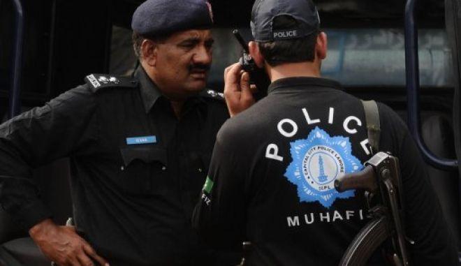 Πακιστάν: Φονικό τοξικό σιρόπι για τον βήχα