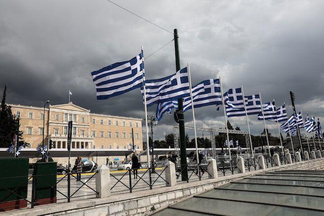 Πλατεία Συντάγματος ενόψει των εορτασμών για τα 200 χρόνια από την ελληνική επανάσταση
