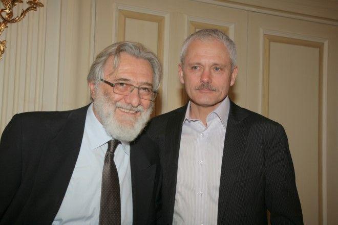 Ο σκηνοθέτης Γιάννης Σμαραγδής με τον Ρώσο συμπαραγωγό Fedor Popov