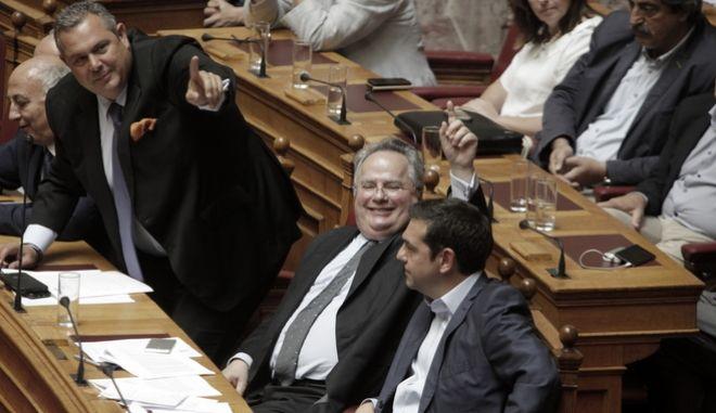Αλέξης Τσίπρας, Νίκος Κοτζιάς και Πάνος Καμμένος σε παλαιότερη συζήτηση στη Βουλή