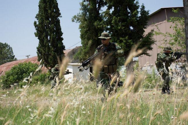 Ο αρχηγός του Γενικού Επιτελείου Στρατού, Αντιστράτηγος Αλκιβιάδης Στεφανής, στην εκπαίδευση των Εθνοφυλάκων των Ταγμάτων Ηγουμενίτσας, Καλπακίου και Κέρκυρας, του Γ΄ Σώματος Στρατού