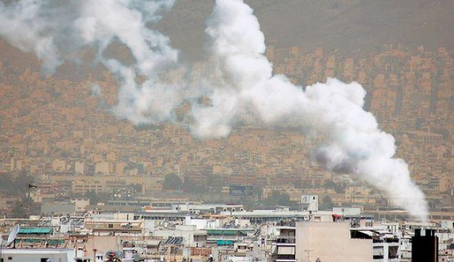 Ημέρες αιθαλομίχλης: Χωρίς θερμοσίφωνα και κουζίνα για να μην έχουμε μπλακ άουτ