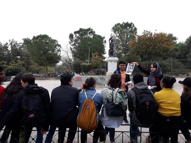 Πρόσφυγες φωτογραφίζουν τη δική τους Αθήνα και γίνονται ξεναγοί
