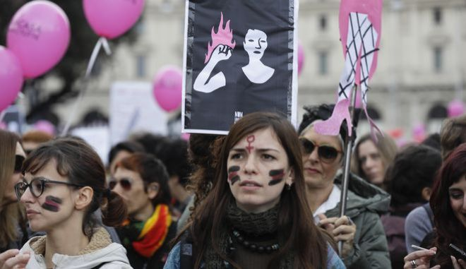 Η θέση της γυναίκας: Οι σταθμοί της 10ετίας