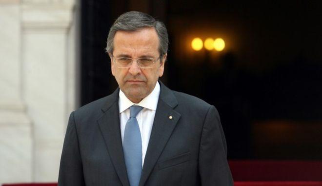 Επίσημη συνάντηση του πρωθυπουργού Αντ. Σαμαρά με τον ιταλό ομόλογό του Ενρίκο Λέτα την Δευτέρα 29 Ιουλίου 2013, στο Μέγαρο Μαξίμου.  Πρώτο θέμα στην ατζέντα των δυο πρωθυπουργών, τα μέτρα ανάπτυξης που πρέπει να ληφθούν κυρίως για τις χώρες του Νότου. (EUROKINISSI/ΤΑΤΙΑΝΑ ΜΠΟΛΑΡΗ)