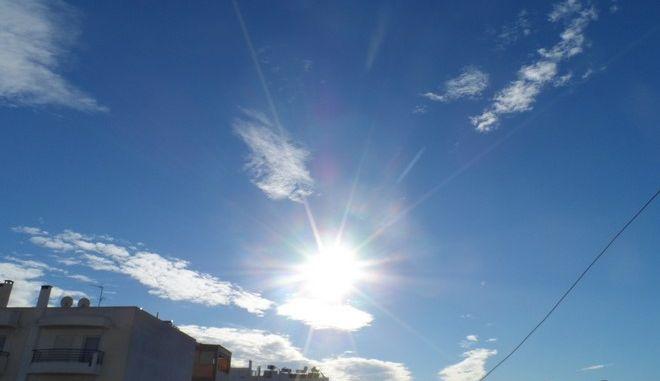 Χειμωνιάτικη λιακάδα στην Αθήνα το Σάββατο 3 Ιανουαρίου 2015. (EUROKINISSI/ΓΙΩΡΓΟΣ ΚΟΝΤΑΡΙΝΗΣ)
