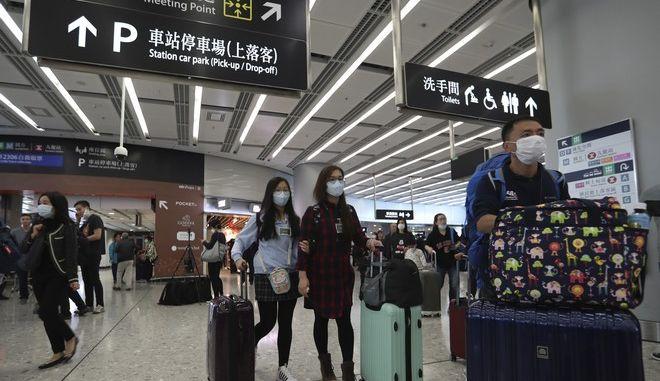 Μέτρα στα αεροδρόμια της Κίνας για τον κοροναϊό