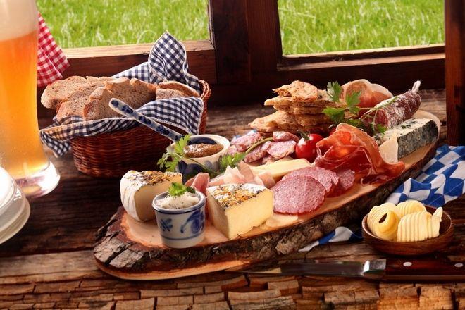 Η γαστρονομία της Άνω Προβηγκίας βασίζεται στην παραδοσιακή μαγειρική του βουνού