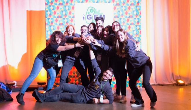 """Το χρυσό μετάλλιο απέσπασε η ερευνητική ομάδα """"iGEM Thessaly"""" στον μεγαλύτερο διαγωνισμό Συνθετικής Βιολογίας"""