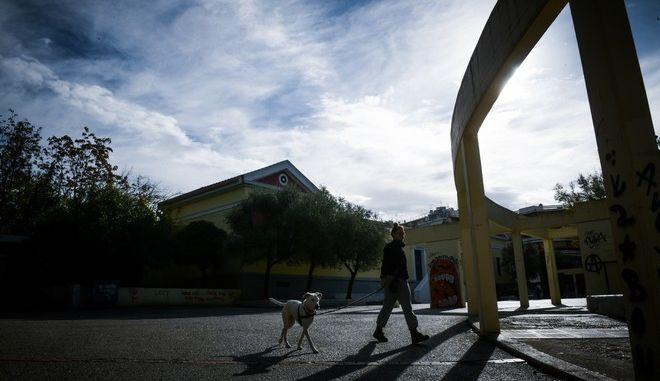 Μετά την βροχή στην Αθήνα, βόλτα για άσκηση ή ποδήλατο ή με τον σκύλο, στο πάρκο της Καισαριανής, καθώς βρισκόμαστε ακόμα σε καθολική καραντίνα για την αναχαίτηση της διασποράς του Covid-19 , Παρασκευή 4 Δεκεμβρίου 2020 (EUROKINISSI/ΤΑΤΙΑΝΑ ΜΠΟΛΑΡΗ)