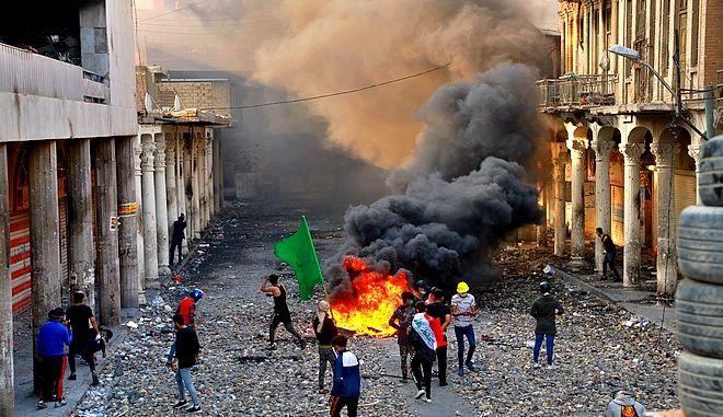 Φωτιά σε διαδήλωση στη Βαγδάτη
