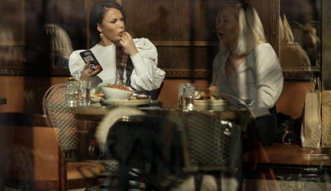 """Κορονοϊός - Σουηδία: Οι ηλικιωμένοι πληρώνουν το τίμημα της """"χαλαρής"""" στρατηγικής της κυβέρνησης"""